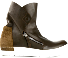 http://www.farfetch.com/shopping/men/cinzia-araia-zip-ankle-boots-item-10779165.aspx?storeid=9652&ffref=lp_1605_